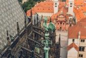 Detail slavný Pražský hrad a střechy v Praze, Česká republika