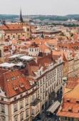Praha, Česká republika - 23 července 2018: červené střechy a krásnou architekturu v staré město, Praha, Česká republika