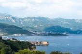 Fotografie Letecký pohled na Jaderské moře a staré město Budva v Černé hoře