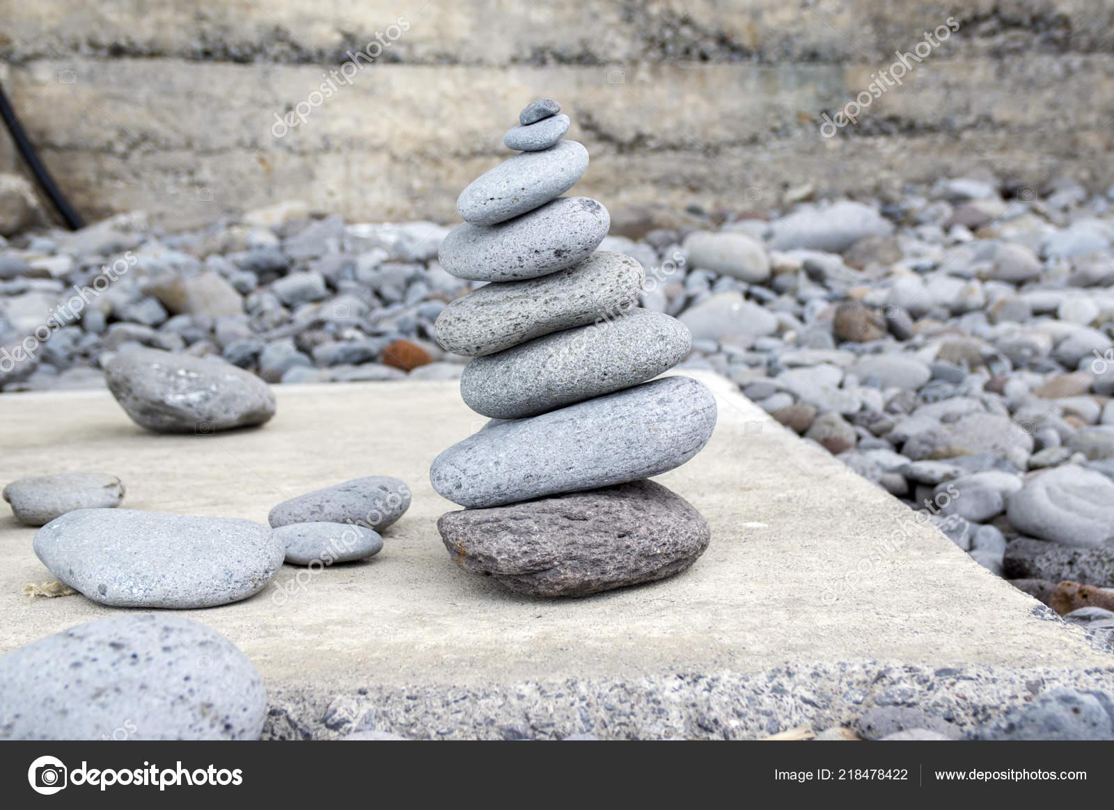 Tour Cairn Pierre Pierres Poise Rock Sculpture Zen Galets Gris ...