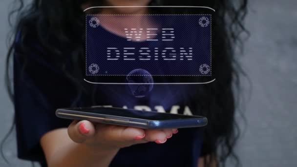 Donna che mostra ologramma Hud Web Design