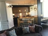 Modern belső kialakítás a nappaliból. Elegáns stílus