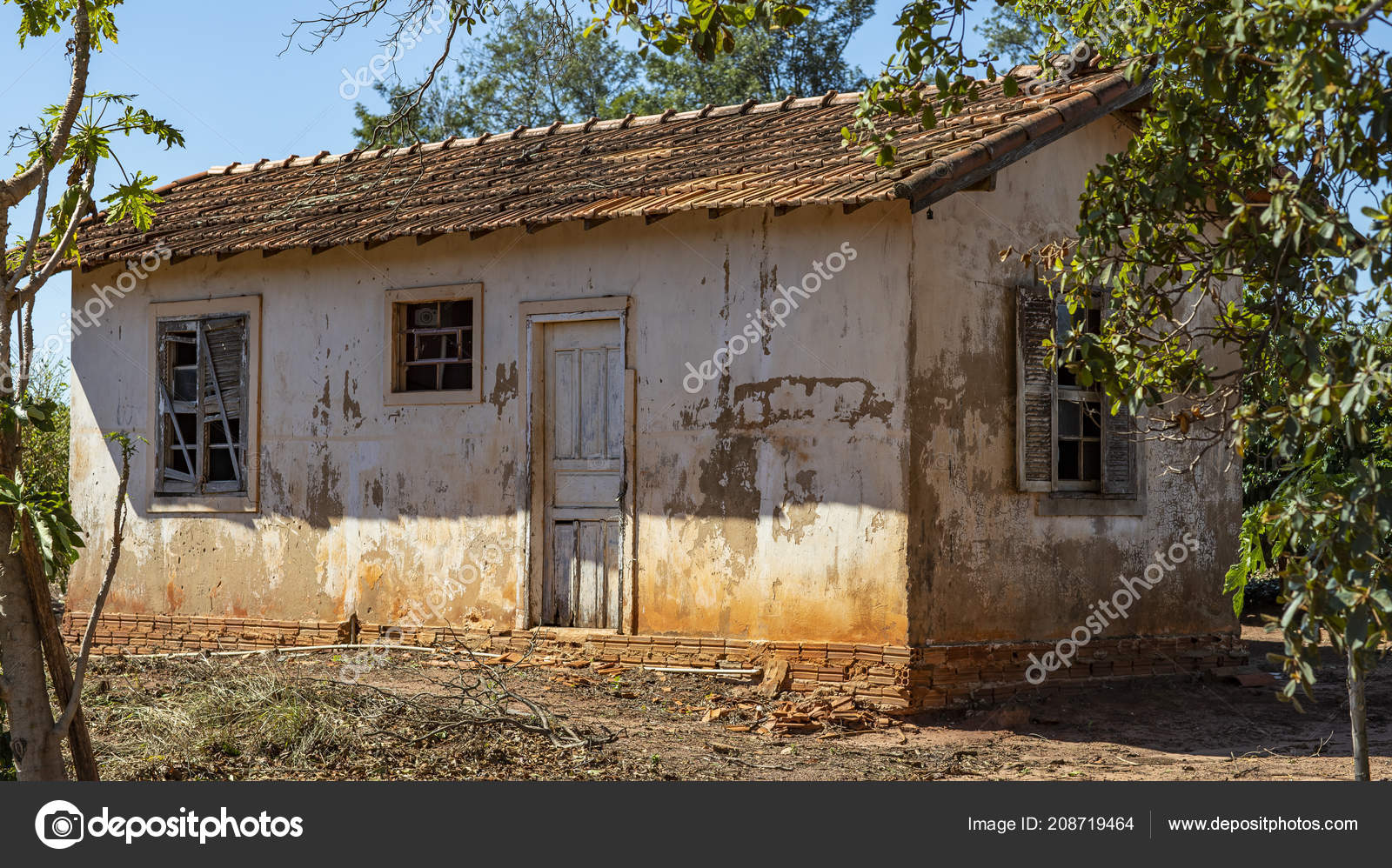 Magnificent House Very Simple Poorly Cared Poor Farm Brazil Stock Interior Design Ideas Apansoteloinfo