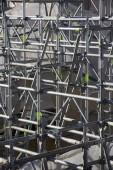 rekonstrukce architektury budovy, kovové trubky konstrukce