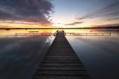 früher Morgen am Starnberger See im Herbst, bei Tutzing, Bayern, Deutschland, Europa
