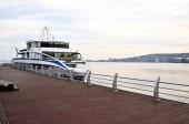Imbarcazione da diporto sul Mar Caspio a Baku