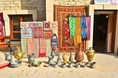 02-11-2018. Baku. Azerbaijan. Trade of vintage accessories, as well as modern handicrafts in Baku