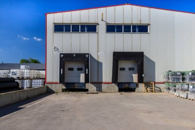 Warehouse for construction industry goods