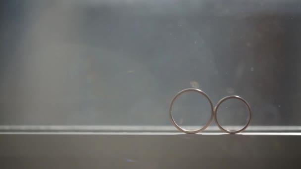 Arany gyűrűk makró esküvői Vértes lő diamon ékszerek