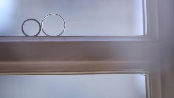 Silberhochzeit Ringe Auf Das Fenster Mit Licht Flackert Makro Closeup Shooting Diamon Schmuck