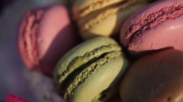Csokoládé desszert macaroons, háttér, élelmiszer, édes sütemény krém kávé cukor