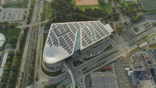 Muzeum Bmw v Mnichově a televizní věž dron letu