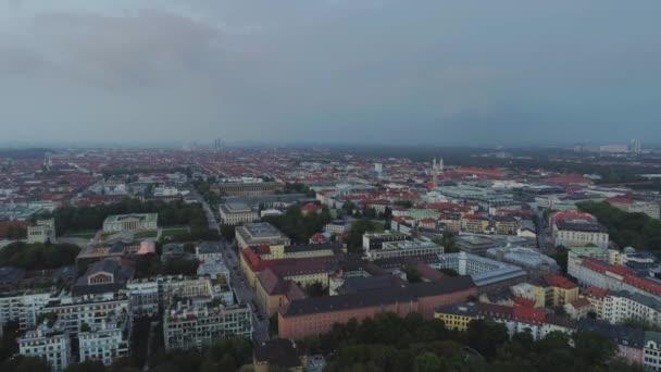 Město Růžové nebe nad obytných budov v Německu Mnichov