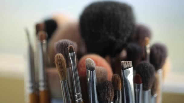 Brushes for Makeup artists Macro 100mm slider camera smooth motion
