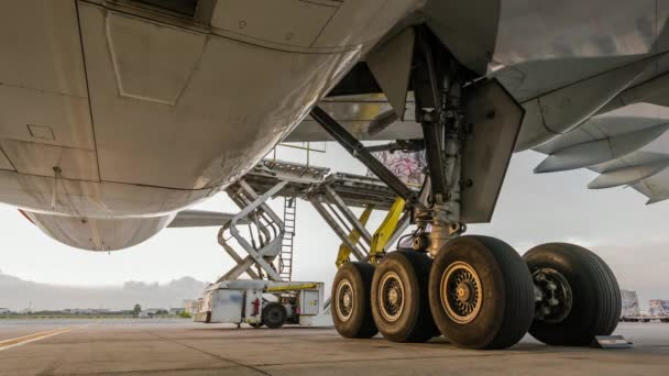 Teherszállító repülőgép kívüli légi teherszállítási logisztikai betöltése