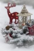Fényképek Boldog karácsonyi kártya sablont a fenyő ágak hó és játék dekorációk
