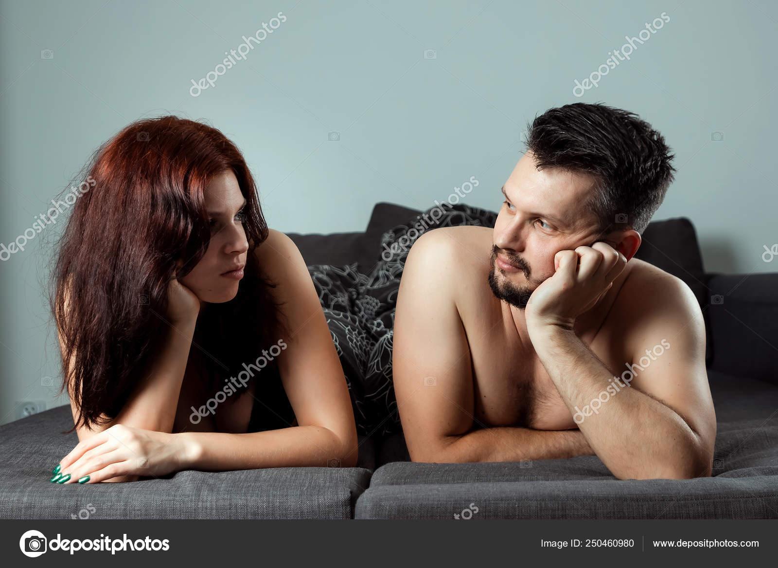 La storia di Giuliano, 27 anni: dopo aver chattato con molte donne (ed aver ricevuto proposte hot da una) ha trovato la fidanzata grazie ad un.