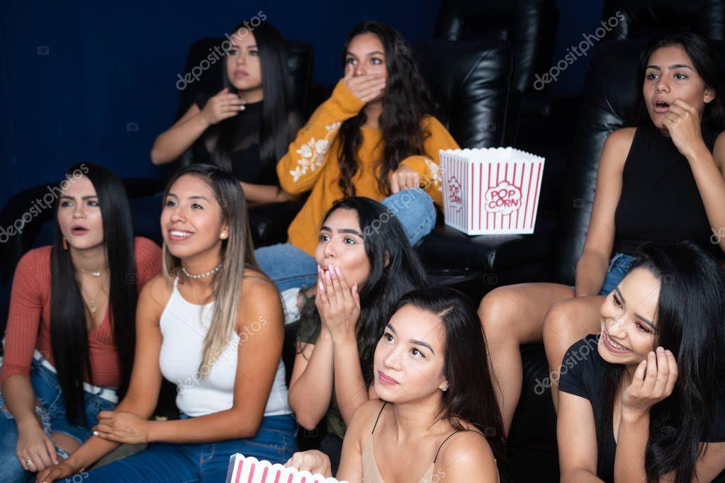 женское клуб кино домашняя мужчинам