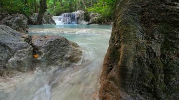 Erawan vodopád, Kanchanaburi, Thajsko