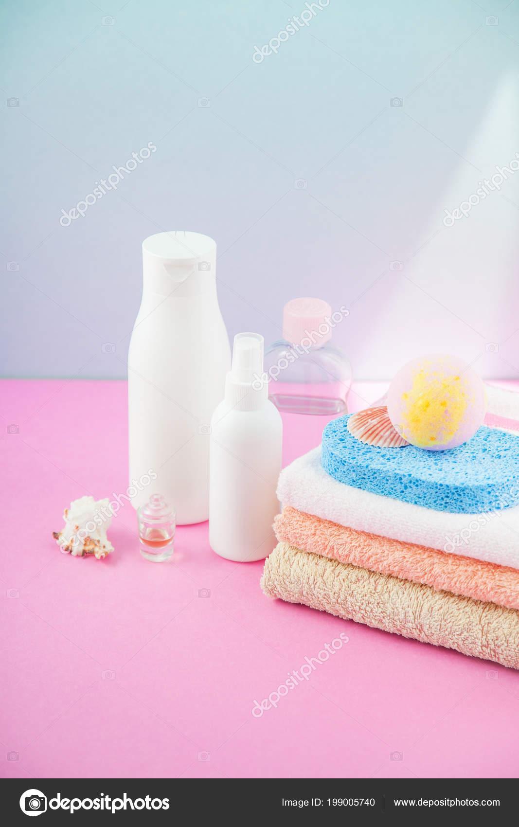 Accessoire Salle De Bain Rose Poudre ~ accessoires salle bain serviettes shampoings mousse pour bain cr me