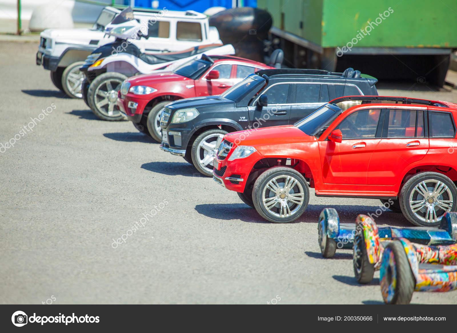 Rusland Rostov Aan Don Augustus 2018 Kinder Elektrische Auto Van