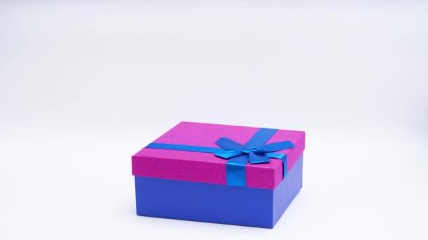 Zastavit animaci pohybu krabic s dárky Koncept dovolené