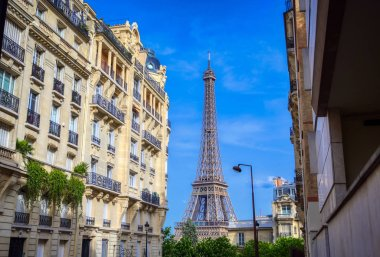 A view of the Eiffel Tower from the streets of Paris, France.