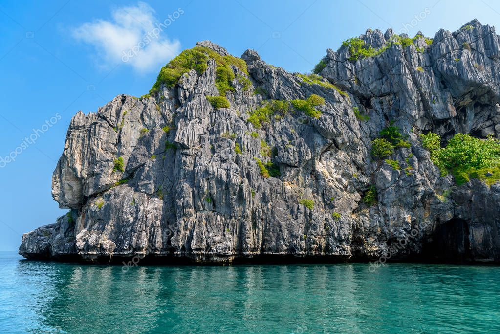 Ko Lao Yu, Wao Yai, Mu Ko Ang Thong National Park, Gulf of Thailand, Siam, colorful rocky island with clear water in sunny day