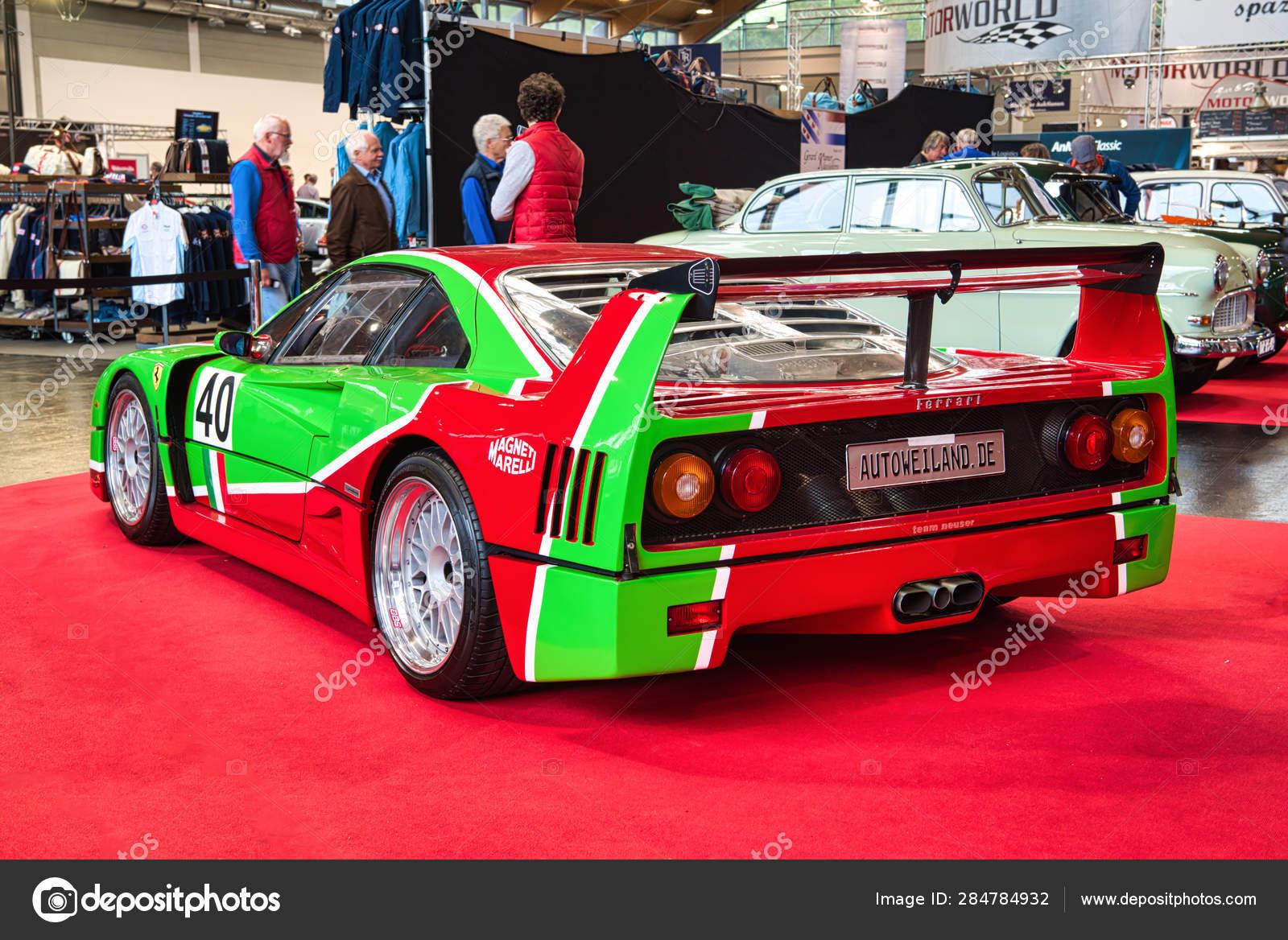 Friedrichshafen May 2019 Red Green Ferrari F40 1989 At Motorworld Classics Bodensee On May 11 2019 In Friedrichshafen Germany Stock Editorial Photo C Eagle2308 284784932