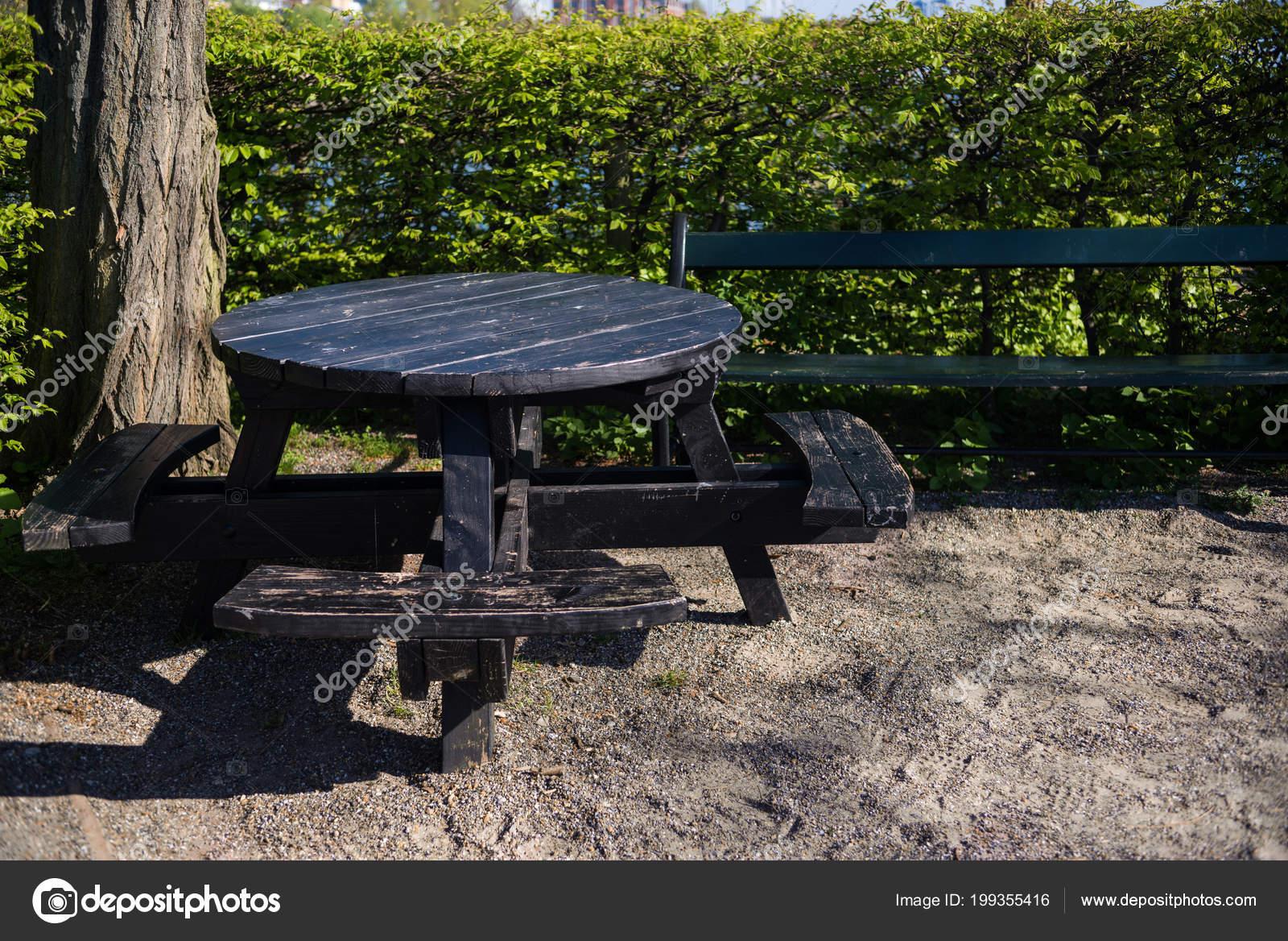 Empty Wooden Table Benches Park Copenhagen Denmark U2014 Stock Photo