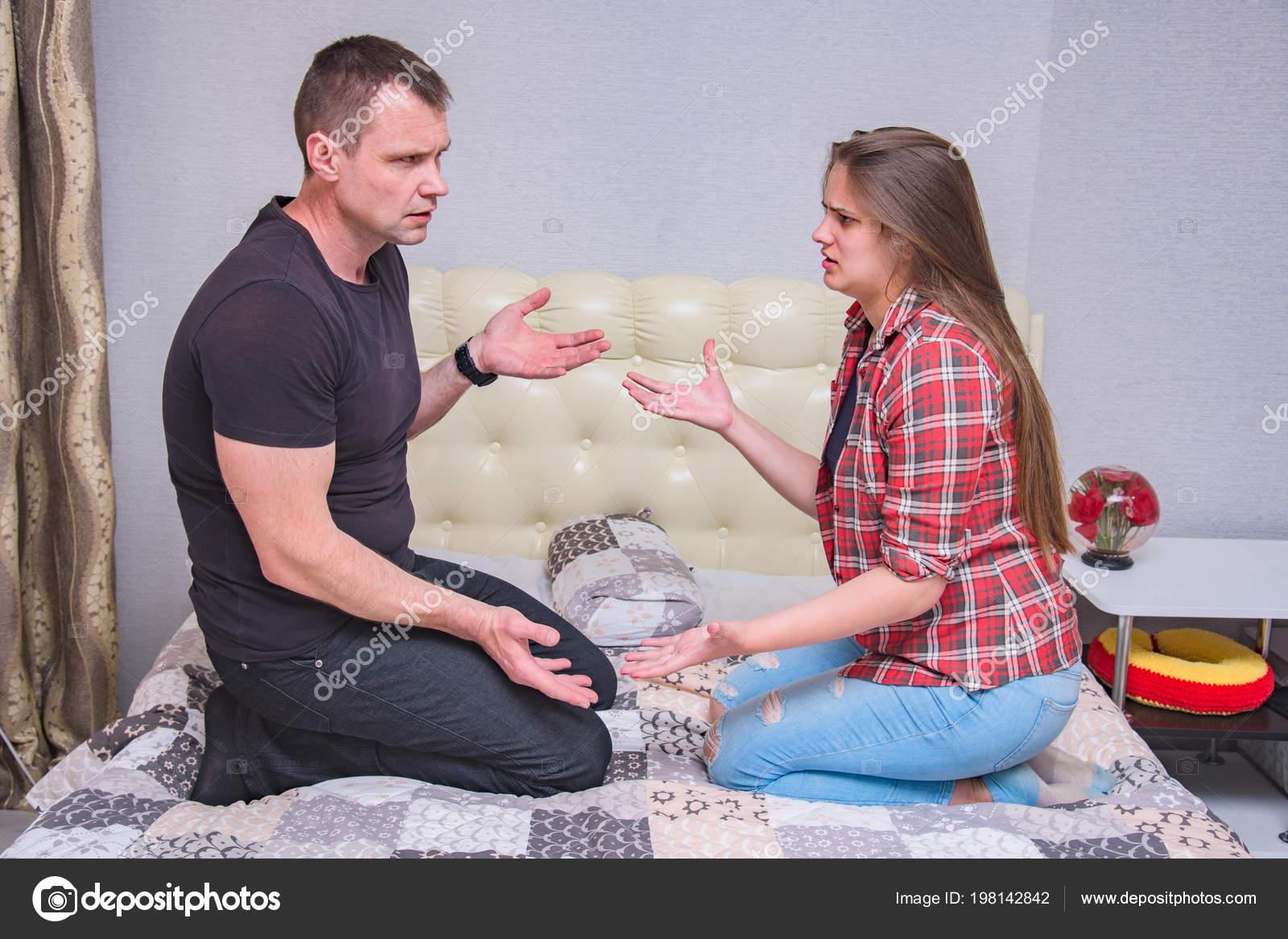 Русские отец и дочь занимаются сексом онлайн бесплатно, Отец и дочь, отец ебет дочь - Смотреть порно видео 22 фотография