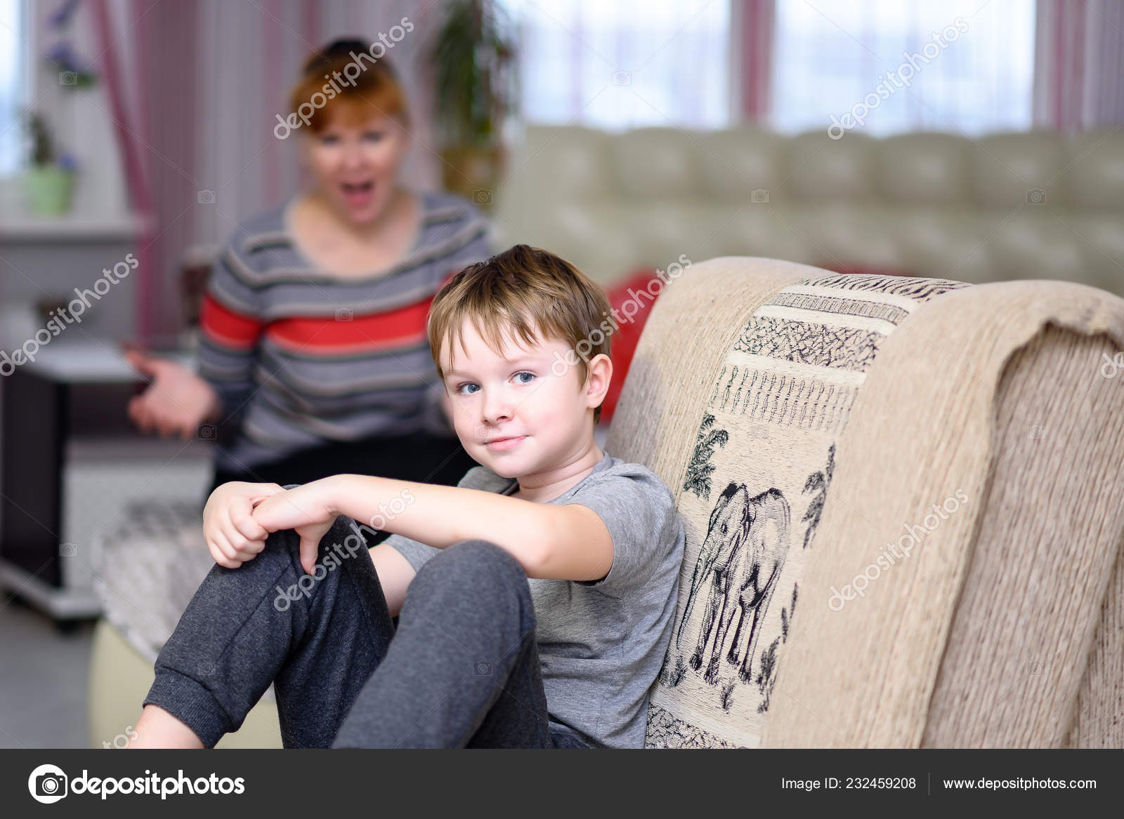 Super Mother Child Sit Room Window Mom Sitting Bed Child Chair Dailytribune Chair Design For Home Dailytribuneorg