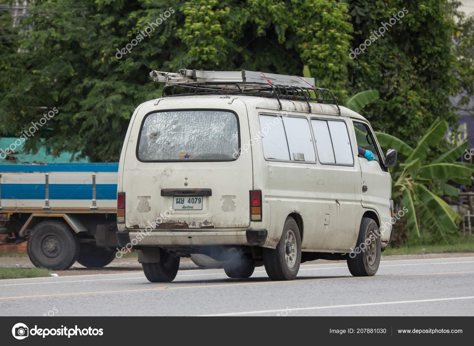 Chiangmai Thailand July 2018 Private Old Isuzu Elf Van Photo – Stock