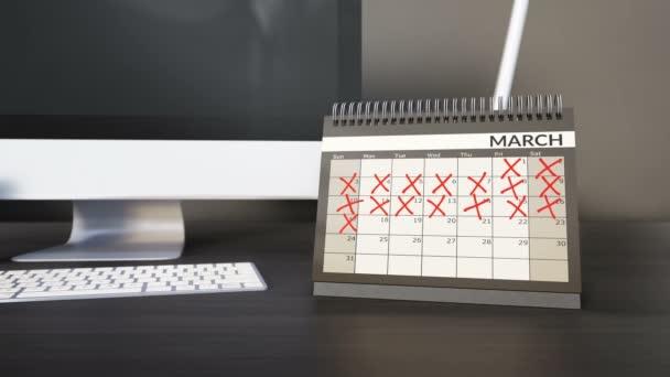 Kontroloval data a měsíce na stůl rok kalendáře. Odpočítávat dny, fliping stránky. Dosahování cílů cíle. Fotoaparát pevná, 60fps 4k animaci