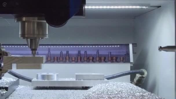 Fresatura Cnc macchine utensili di precisione fa parte.