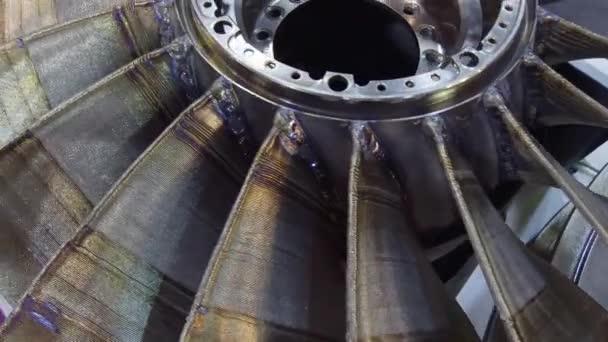 Turbínové kolo vyrobené metodou inovativní 3d tisku. Aditivační technologie 3d tisku kovu