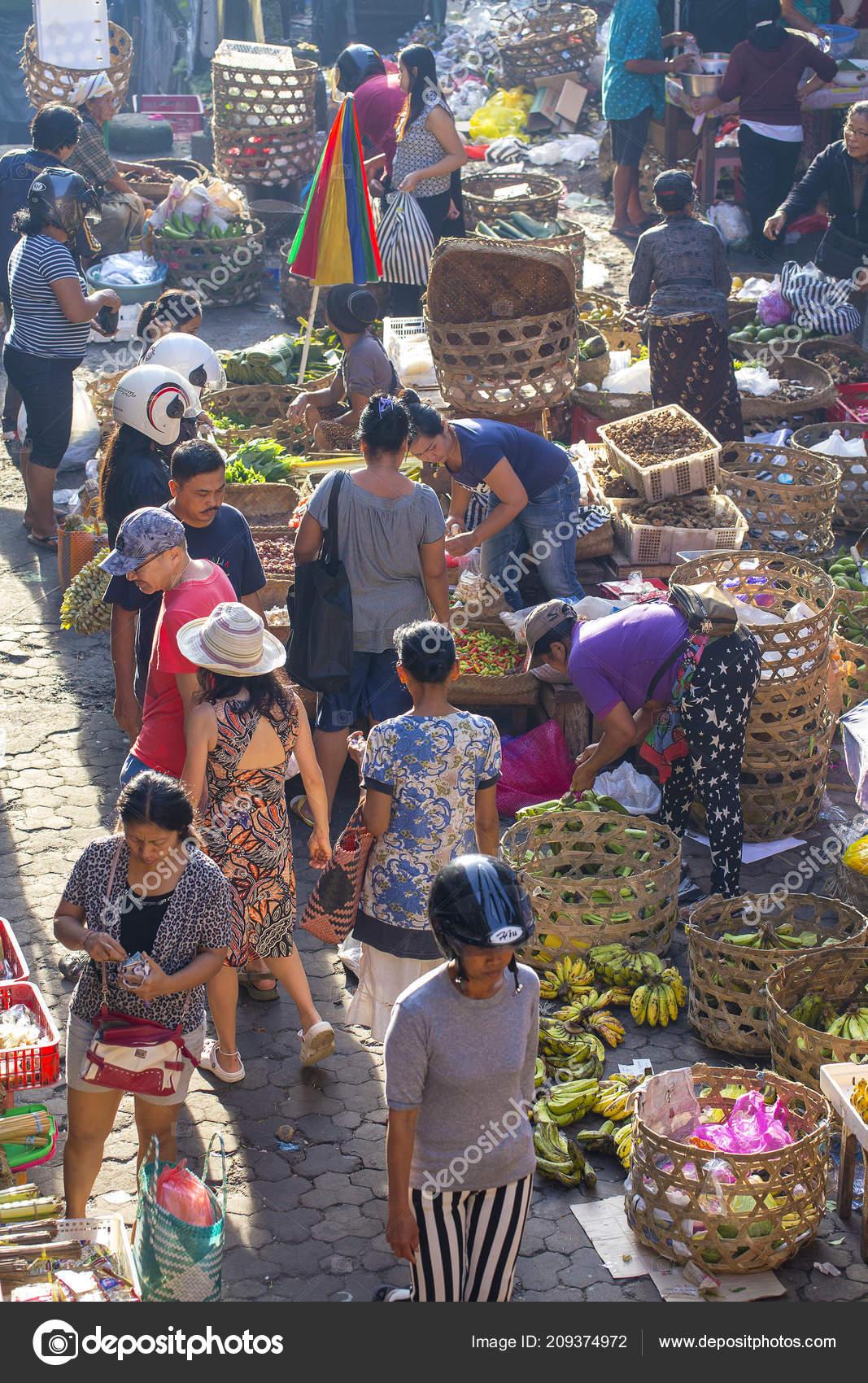 Ubud Bali Indonesia January 2018 Poor Indonesian People