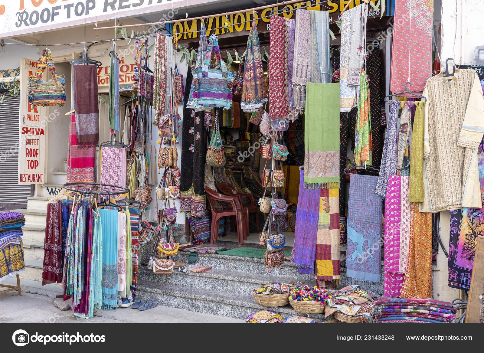 54cd29b2ec27 Pushkar Ινδία Νοεμβρίου 2018 Ρούχα Και Δώρα Λαϊκή Αγορά Στην– Εκδοτικές  Φωτογραφίες Αρχείου