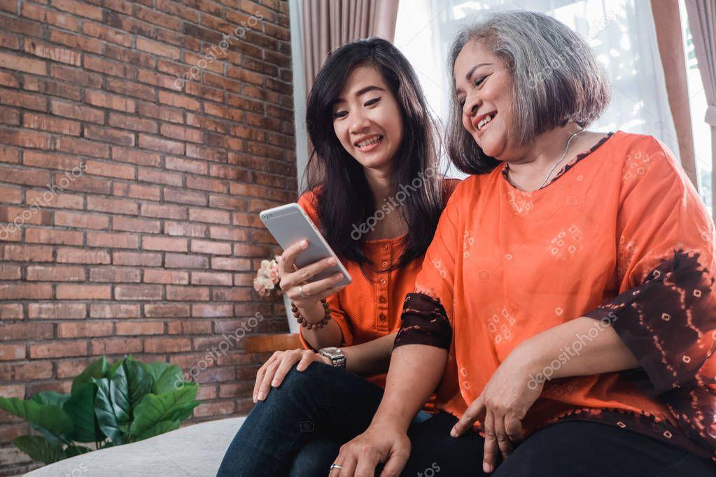 London Asian Mature Online Dating Service