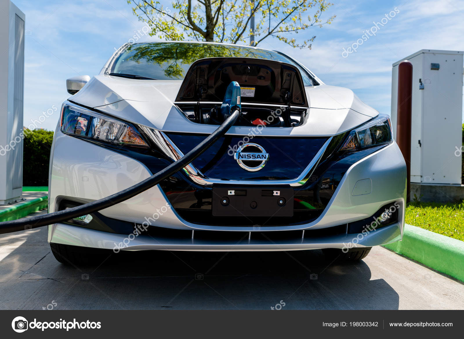 Pearland Texas March 2018 New 2018 Nissan Leaf Electric Car