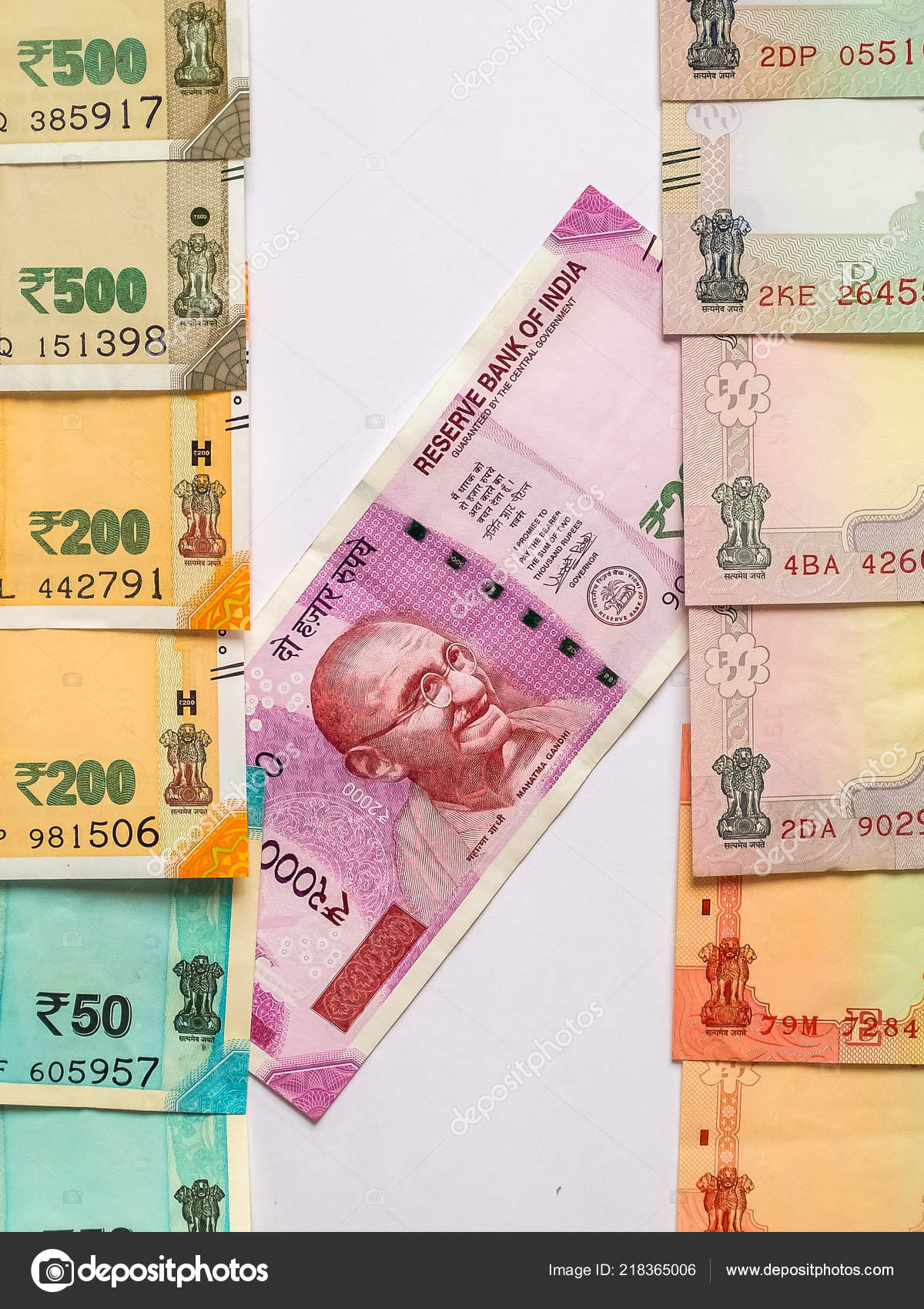 100 200 500 2000 Indian Rupees Old New Notes – Stock Editorial Photo