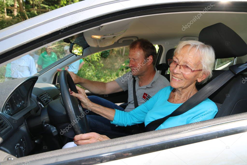 britains oldest driving instructor - 1023×682