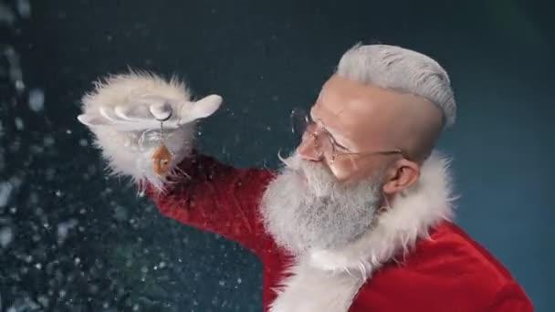 Happy Santa dát dům, koupit nemovitost dárek na Nový rok, vánoční koupě panství