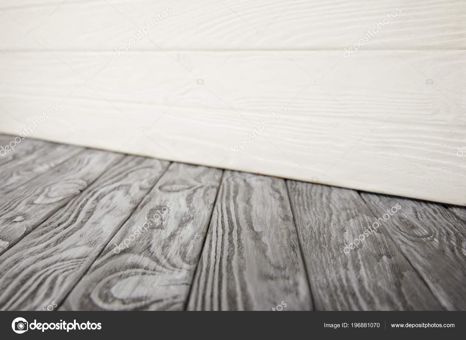 Houten Vloer Grijs : Grijs houten vloer witte houten muur u stockfoto micenin