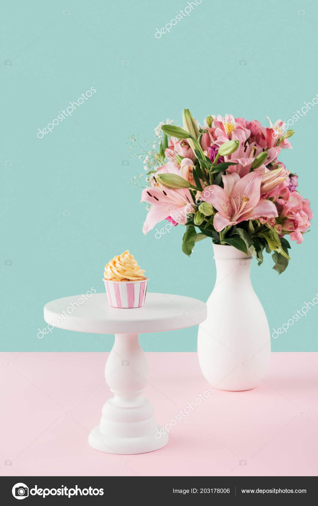 Depositphotos & One Cupcake Cake Stand Bouquet Lily Flowers Vase \u2014 Stock ...