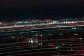 Dlouhá expozice Noční panoráma s rozmazané jasné osvětlení