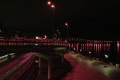 Fotografie Dlouhá expozice a most s osvětlení v noci