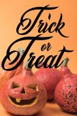 kísérteties faragott halloween tök narancs háttér-val trükk vagy élvezet illusztráció