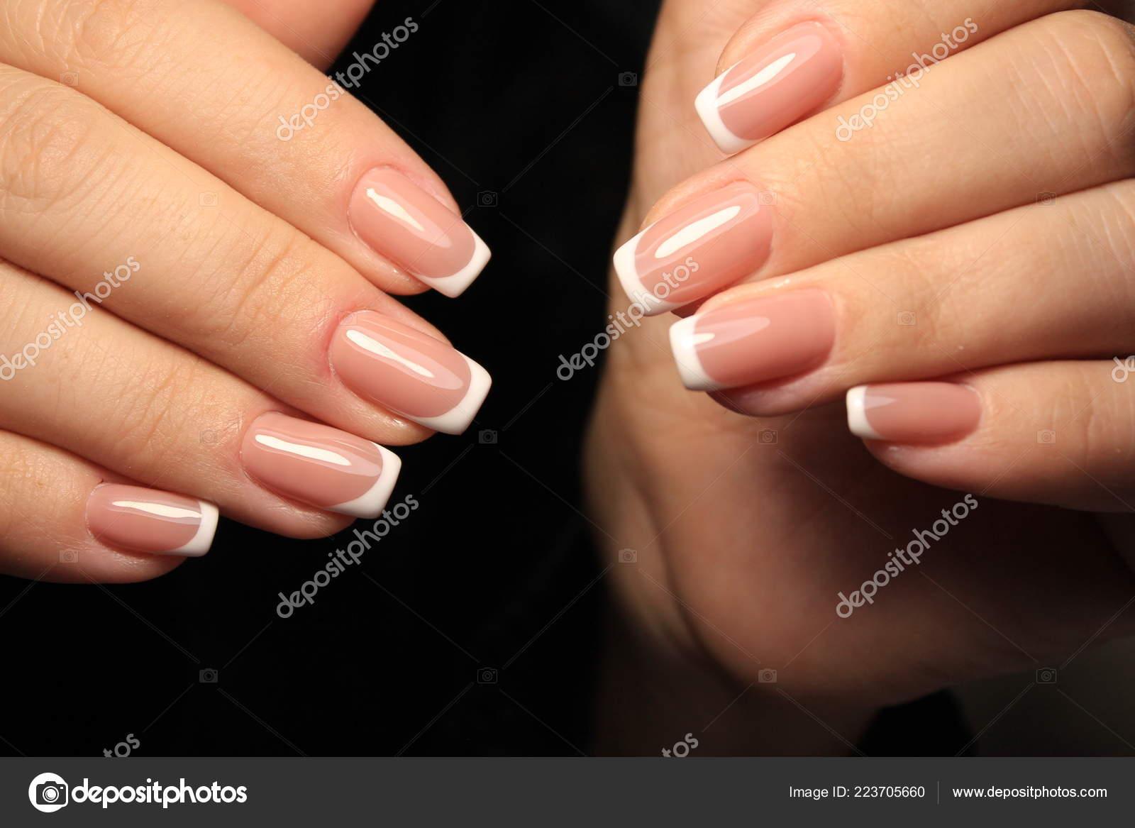 Sexy Manicure Francesa Uñas Largas Hermosas Foto De Stock
