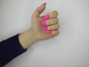 fashionable pink nails